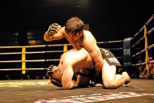 Yan dominando el combate