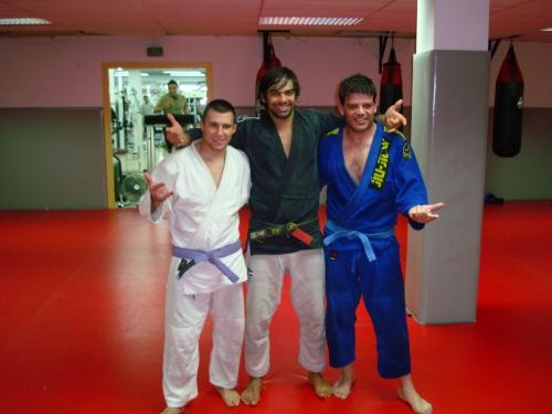 Los nuevos cinturones con Yan