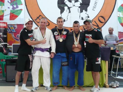 Sergio y David campeones de morado -80 junto a Jose Miguel